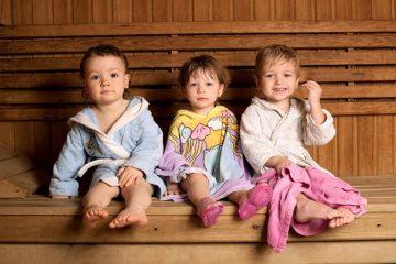 Как правильно париться в бане ребенку и можно ли ее посещать новорожденным?