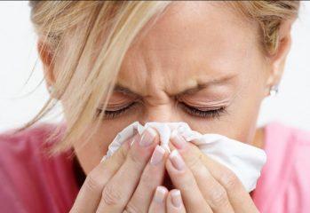 Чем лечить сильный насморк у взрослого?