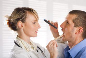 Как вылечить слизистую горла при разных заболеваниях?