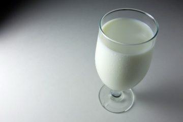 Теплое молоко на ночь: польза