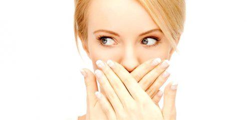Причины плохого запаха из горла