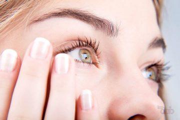От чего слезятся глаза, и как лечить?