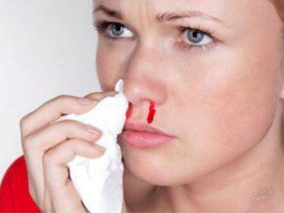 У ребенка и взрослого кровь из носа и температура