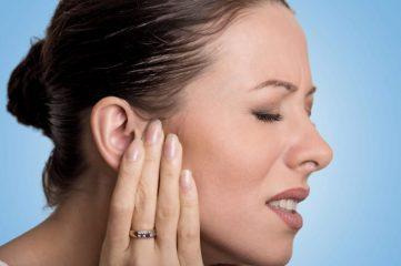 Пробки в ушах: как избавиться самостоятельно?