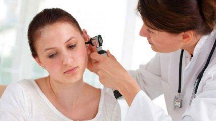 Как восстановить слух после отита?