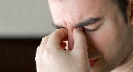 Что делать, если свербит в носу?