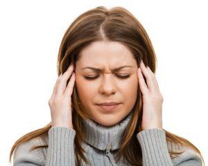 Почему болит голова при ангине?