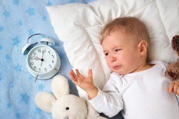 Ребенок не спит из-за насморка