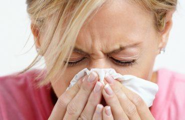 Как правильно сморкаться при насморке?