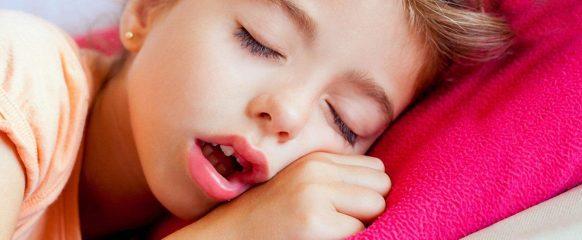 На что влияют аденоиды у детей?