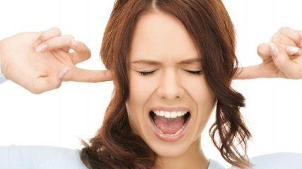 Болит ухо и немеет лицо