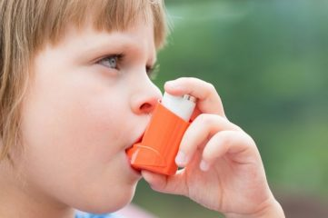 Как проводится лечение легкой, среднетяжелой и тяжелой астмы? Особенности различных форм болезни