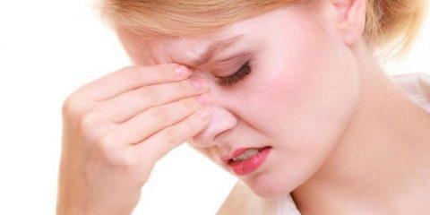 Почему образуются корочки в носу у взрослых и ребенка? Выясняем причину и подбираем лечение