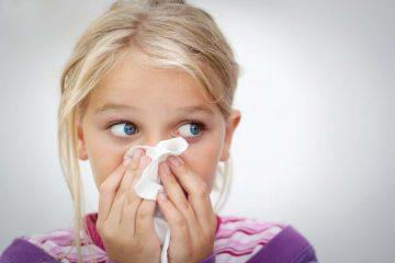 Причины появления густые желтых соплей у детей и методы их лечения