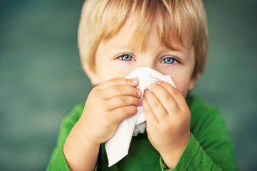 Почему возникает затяжной насморк у ребенка и взрослого и как его лечить?