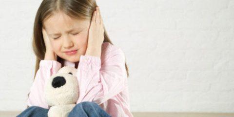Отит заразен или нет для других детей и можно ли заразиться от больного человека?