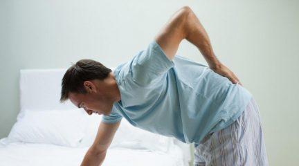Что делать, если при кашле болит спина? Проблемы легких, позвоночника и почек