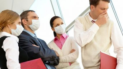 Для окружающих заразна ли пневмония: пути передачи и способы защиты