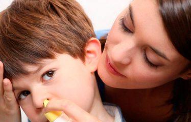 Промывание носа и воспаление ушей: можно ли при отите промывать нос?