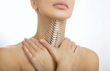 Что делать, если в горле застряла кость? Помощь ребенку и взрослому
